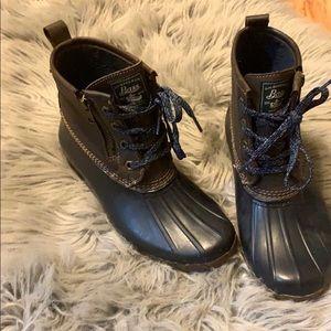Bass duck boots size 7